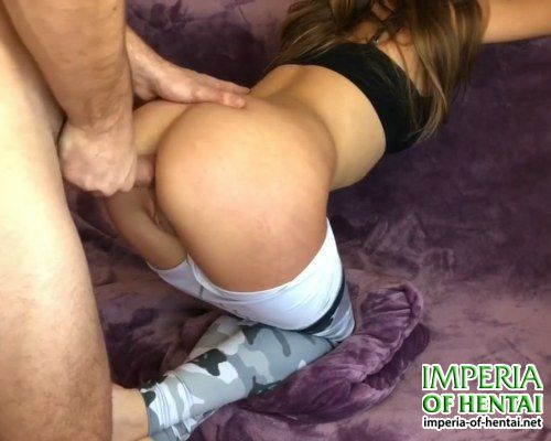 Ella is training an ass for anal